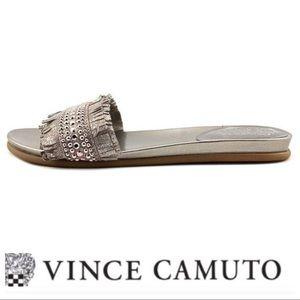 💕SALE💕 Vince Camuto Ettina Silver Metallic Slide
